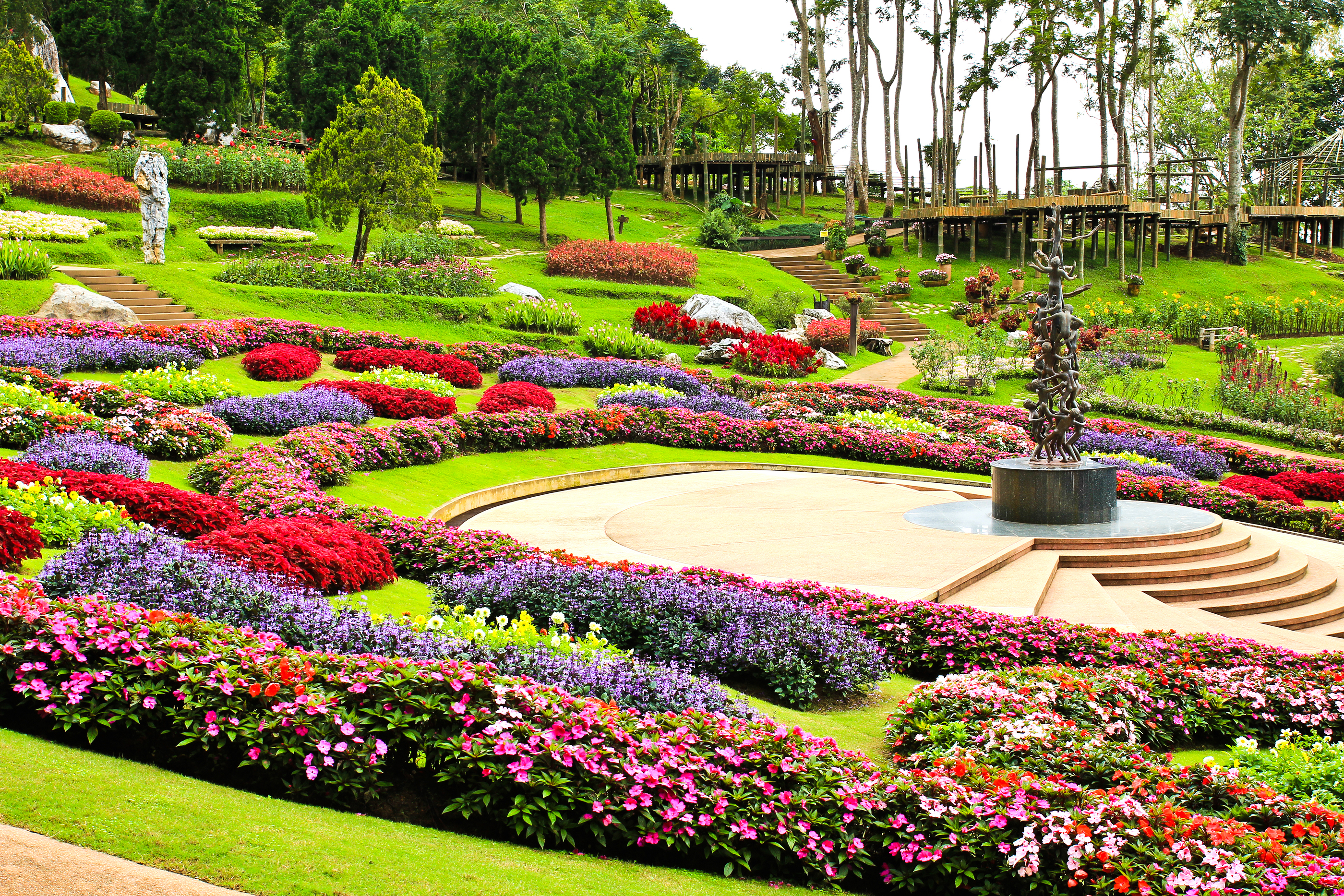 bigstock-Mae-Fah-Luang-Garden-locate-On-55593923