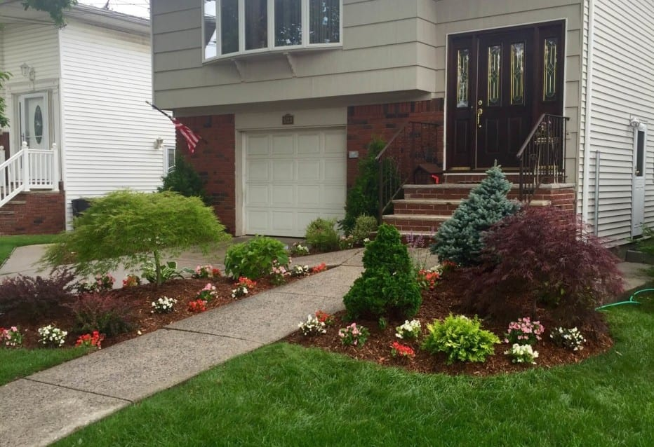 TOP FIVE CONSIDERATIONS WHEN DECIDING TO LANDSCAPE YOUR HOME