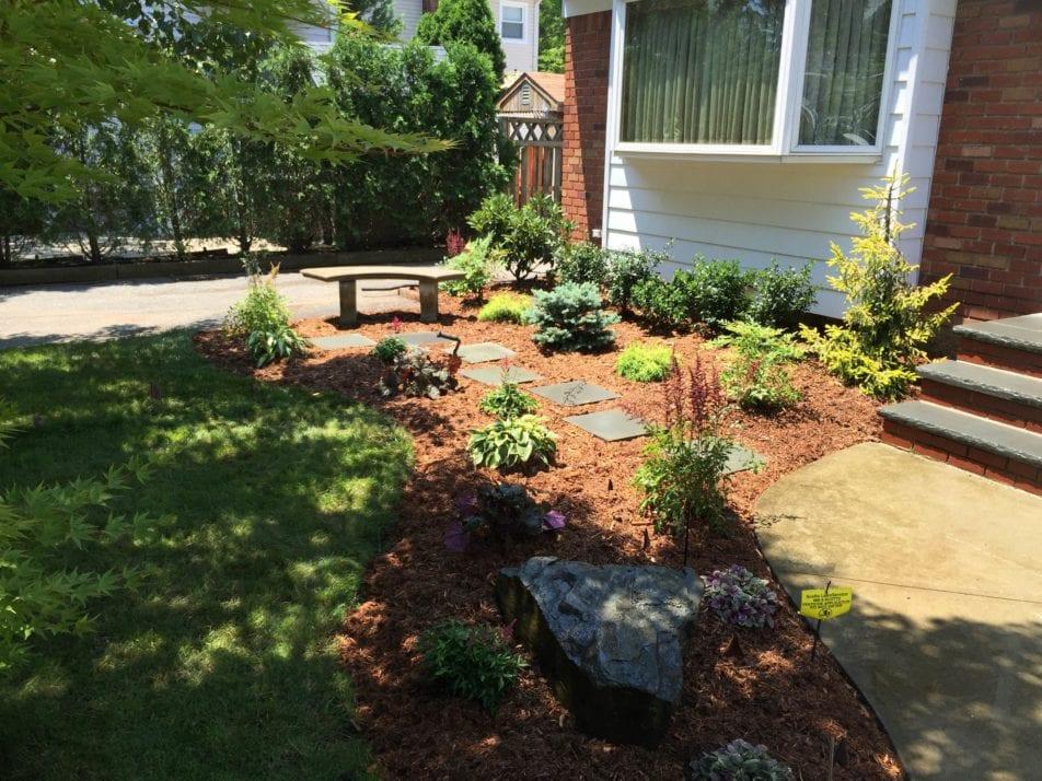 front yard bench wiesner bros nursery inc. Black Bedroom Furniture Sets. Home Design Ideas